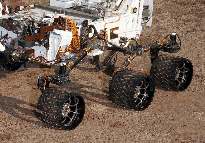 Cropped Curiosity rocker bogie reference
