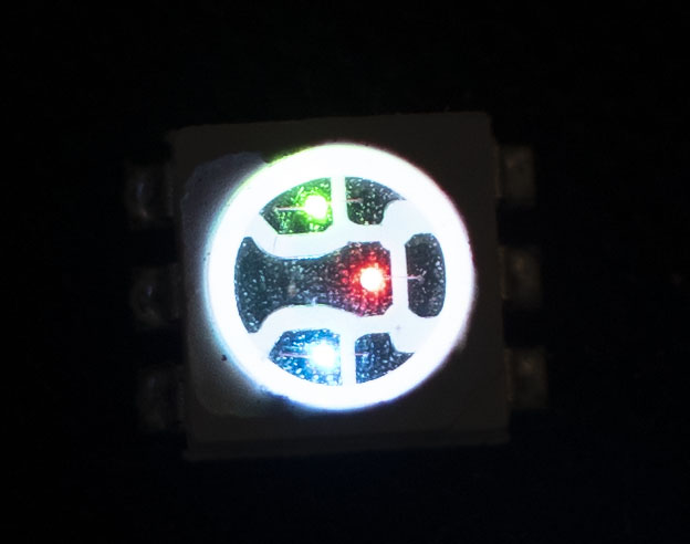 Badge RGB LED