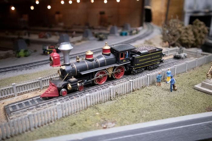 HPRR08 - Highland Pacific locomotive display