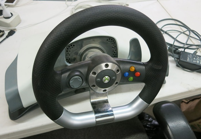 Xbox 360 Steering Wheel 1 - wheel intact
