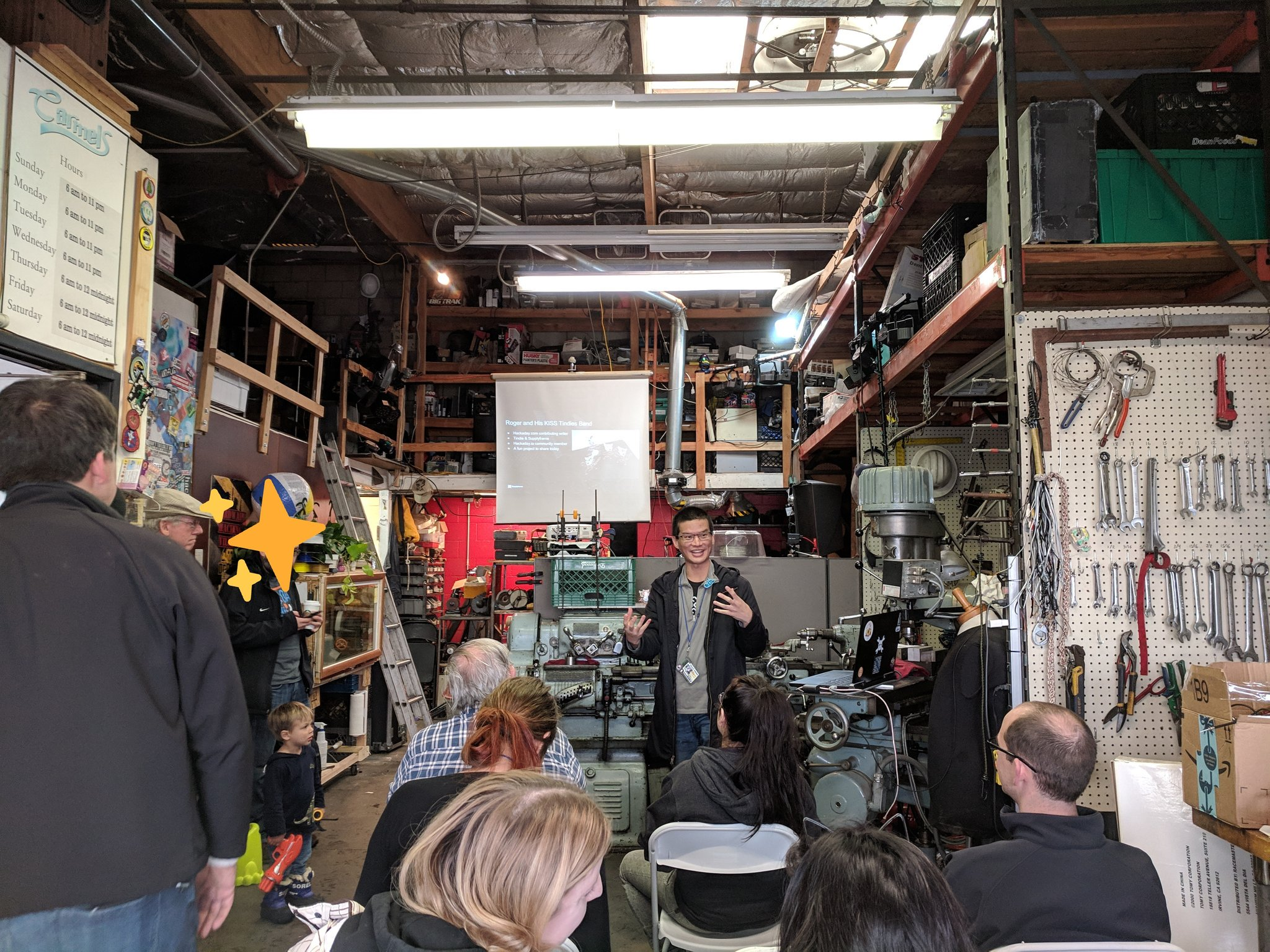 Roger presenting at Sparklecon - Drew Fustini