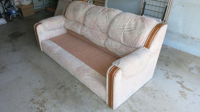 Couch Teardown 02 - bottom cushion removal