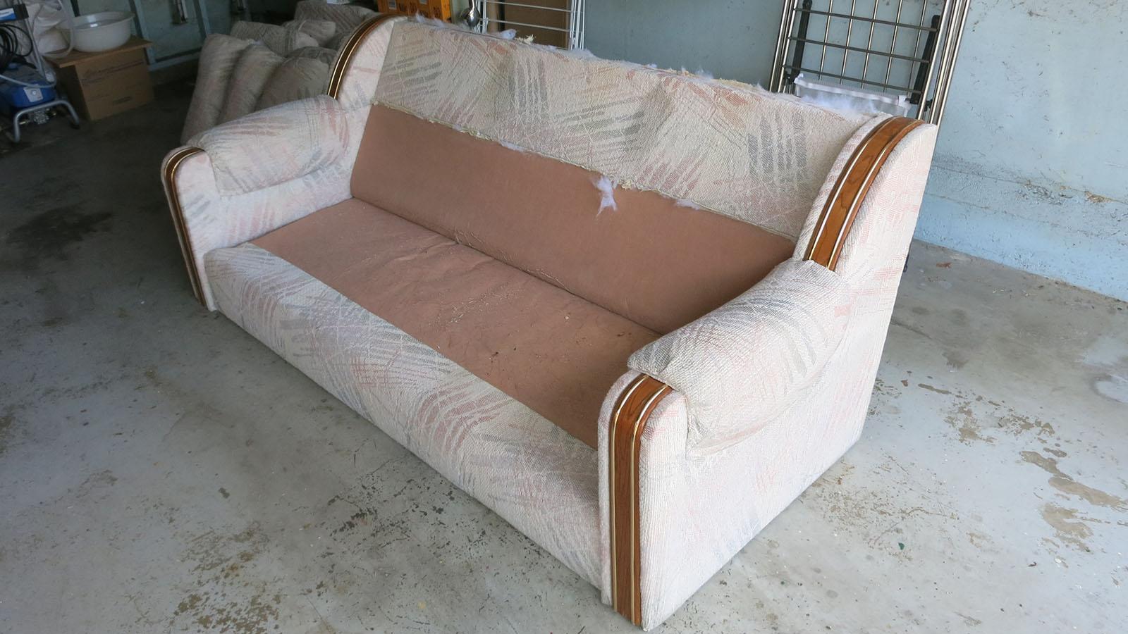 Couch Teardown 03 - back cushions cut off