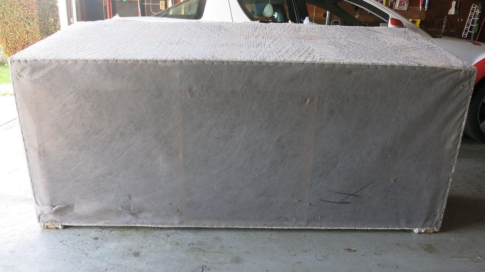 Couch Teardown 06 - tear resistant bottom