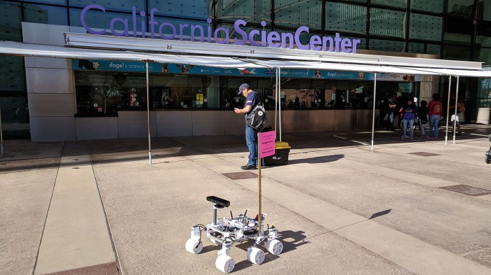 Yuris Night 2019 01 - Sawppy arrives at California ScienCenter