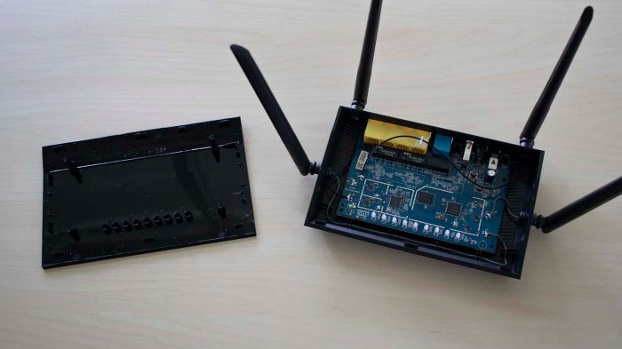 Sawppy wireless router opened