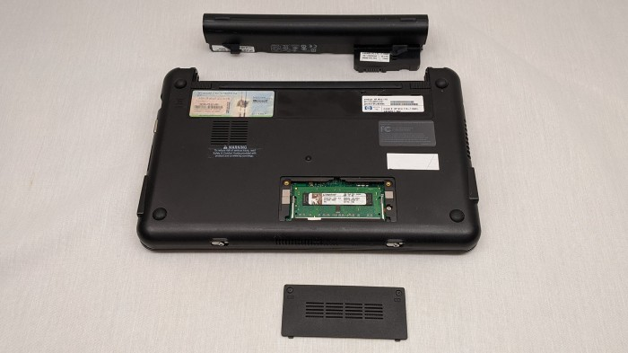 HP Mini 110-1134CL remove easy stuff