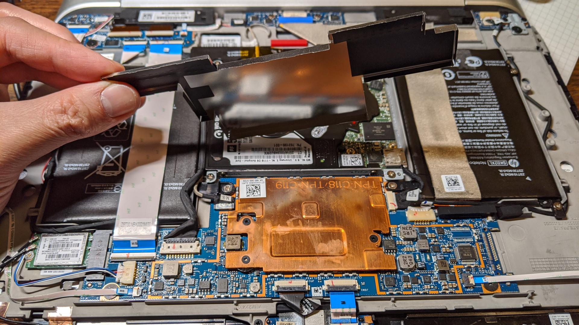 HP Split X2 13-r010dx CPU heat sink under shield