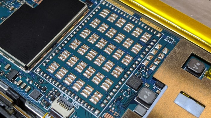 HP Stream 7 07 solder and pads why